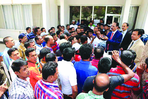 Dhaka clamp on rogue recruitment of Bangladeshi workers