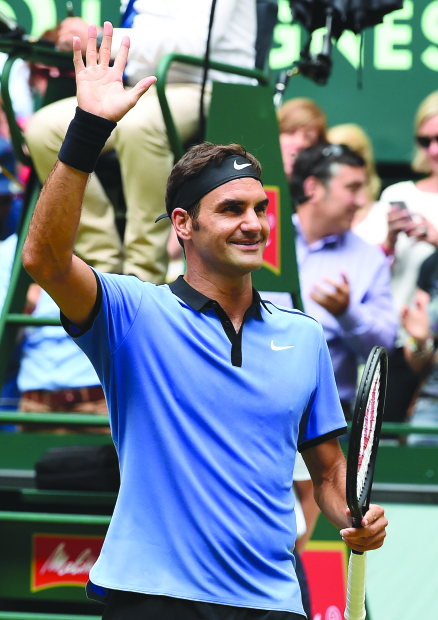 Federer in Halle semis for 13th time