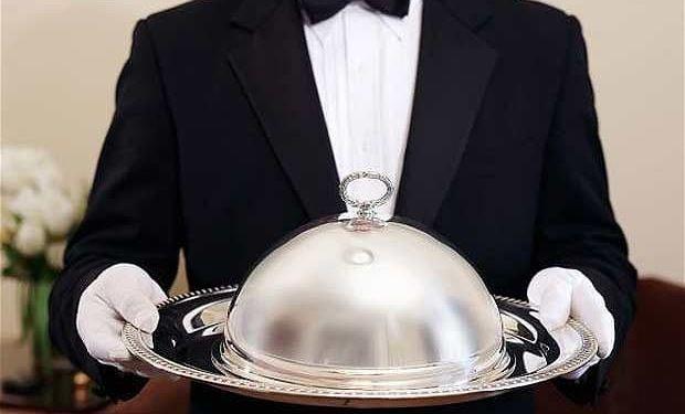 Waiter on trial for mugging diner