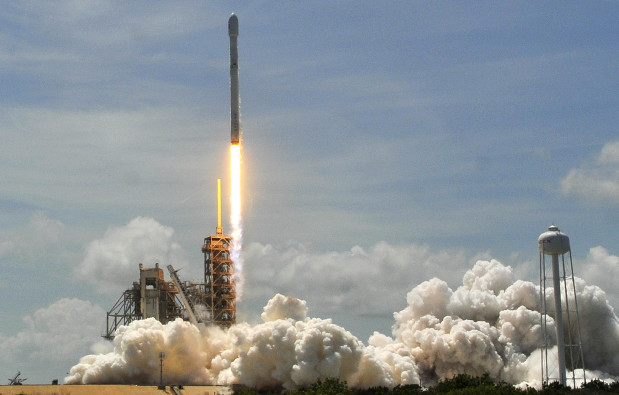 SpaceX set to launch satellites from California air base
