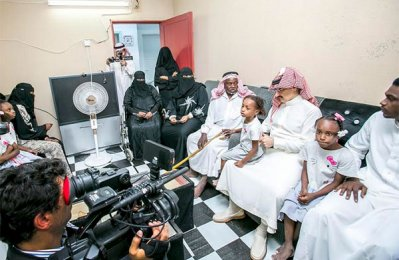 Alwaleed donates 200 cars to housing beneficiaries