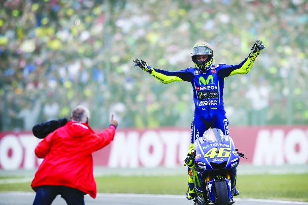 Rossi wins gripping Dutch GP