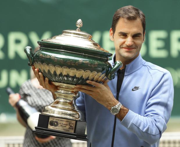 Federer wins ninth Halle title