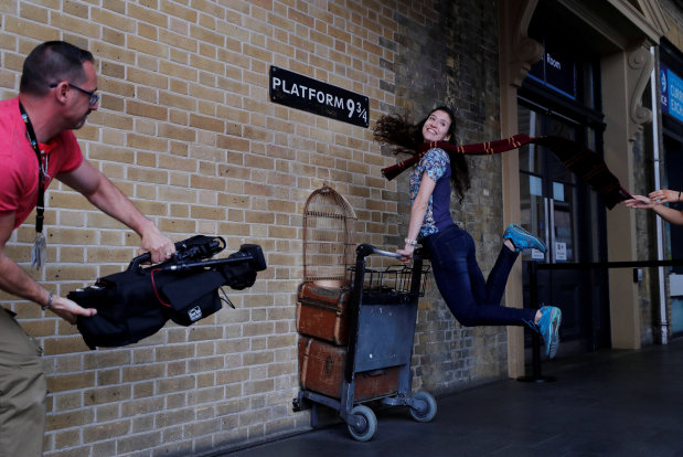 At platform 9-3/4, Harry Potter fans mark 20 years of magic
