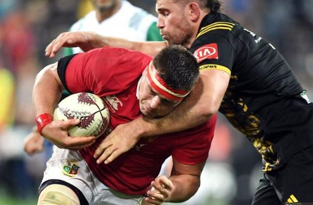 Hurricanes rally to hold fumbling Lions