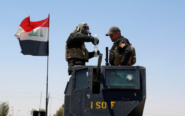 Iraqi forces seize more ground in Mosul from Islamic State, PM sees victory soon