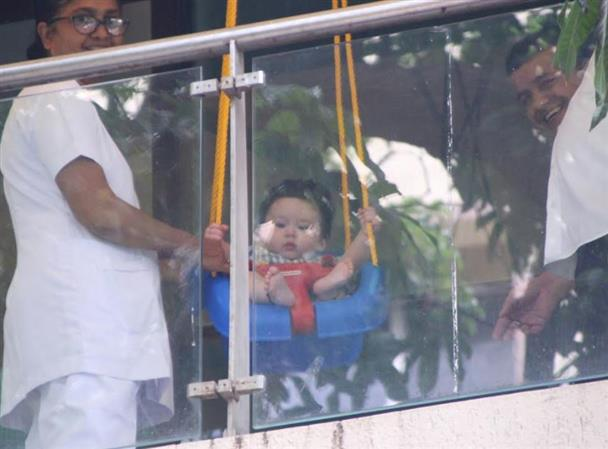 Adorable Photos: Baby Taimur's play time is a sight you should not miss