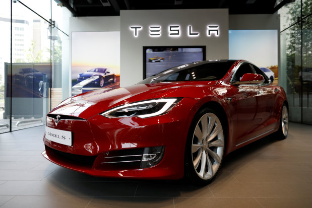 Tesla Model S falls short in crash test yet again