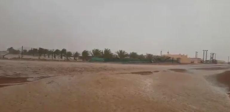 Rains, hailstones fall in UAE