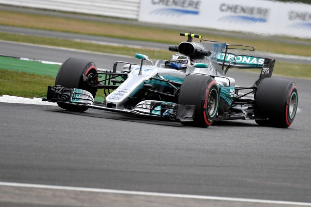 Bottas sets hot pace in practice