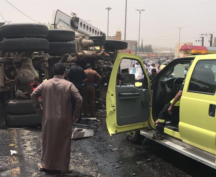 Video: Two killed in horrific truck collision
