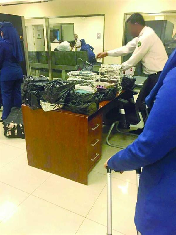Seven air hostesses arrested for trying to smuggle cigarettes
