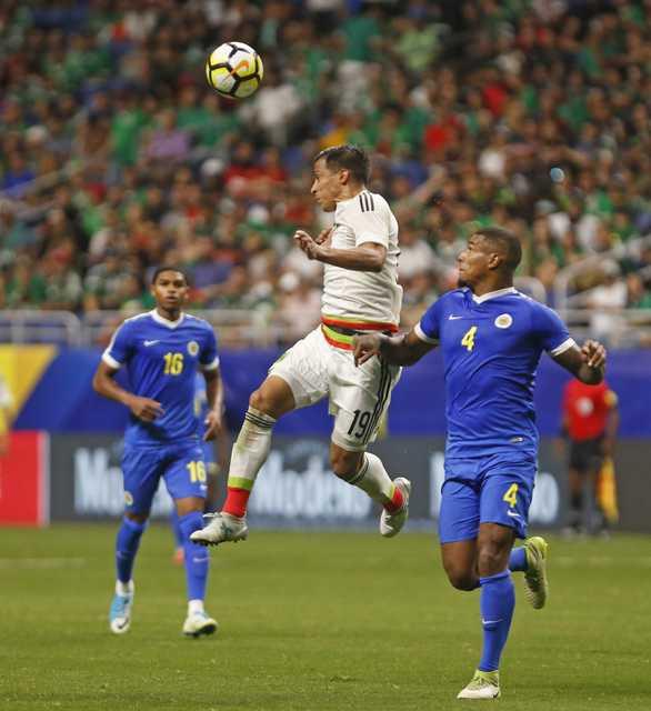 Mexico reach quarters