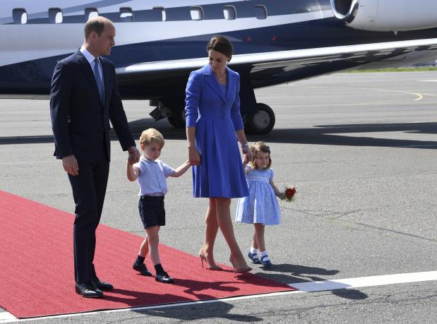 PHOTOS: British royals meet Merkel, tour Berlin Holocaust memorial