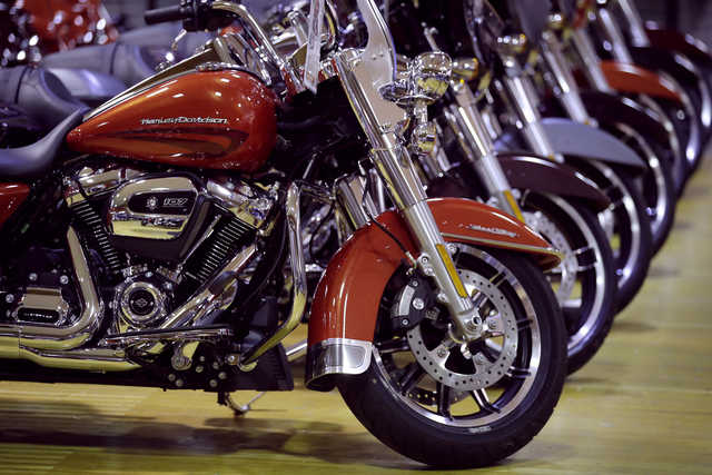 Harley-Davidson cuts shipments forecast