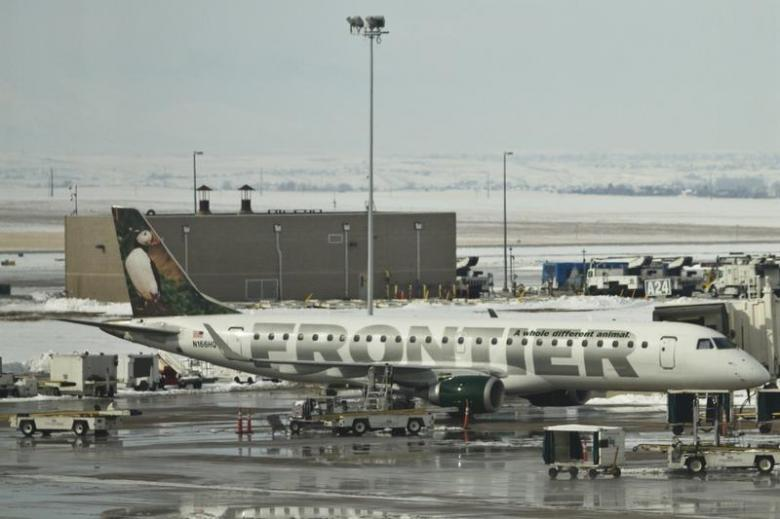 US airlines fined for violations