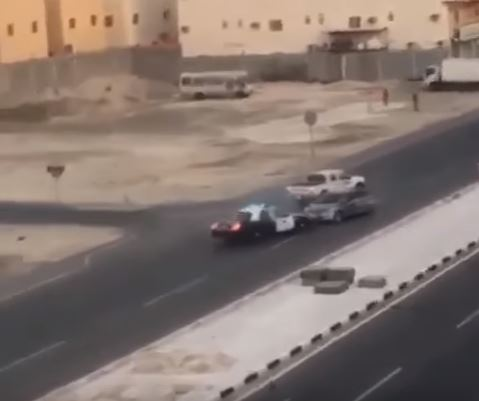 Video: Saudi police chase reckless driver to stop speeding car