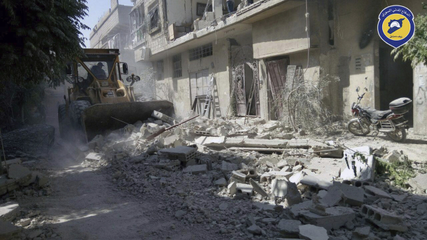 Deadly strike hits Syria rebel town despite truce
