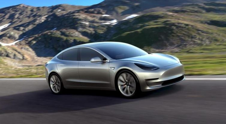 Tesla aims for mainstream ride with 'Model 3'