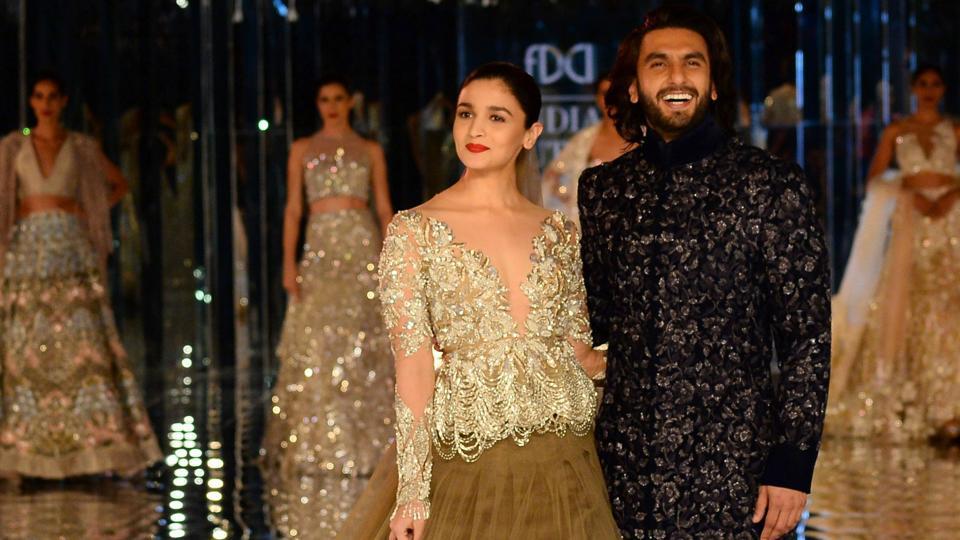 PHOTOS: Ranveer-Alia bring alive Manish Malhotra's 'Sensual Affair' at India Couture Week