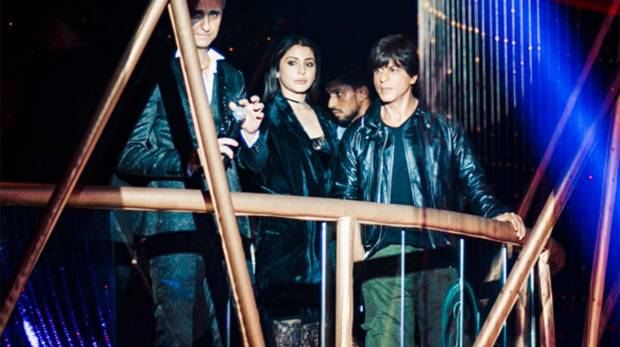 VIDEO: SRK, Anushka Sharma spotted partying hard in Dubai