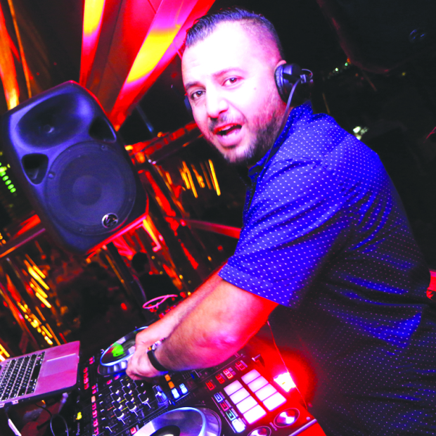 Groove to electronic melodies at Oasis gig