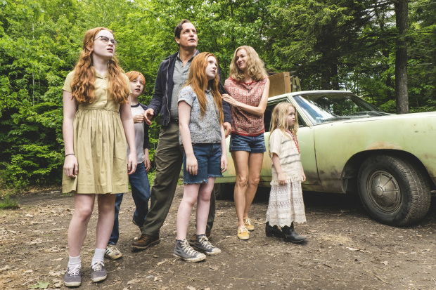 Film Review: Love, somehow, shines through 'The Glass Castle'