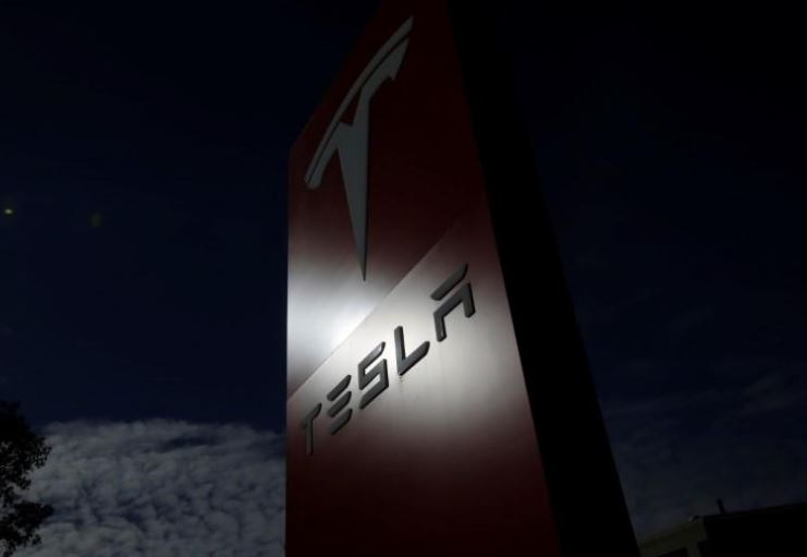 Tesla developing self-driving tech for semi-truck, wants to test in Nevada