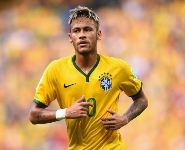 Neymar returns to Brazil for World Cup qualifiers
