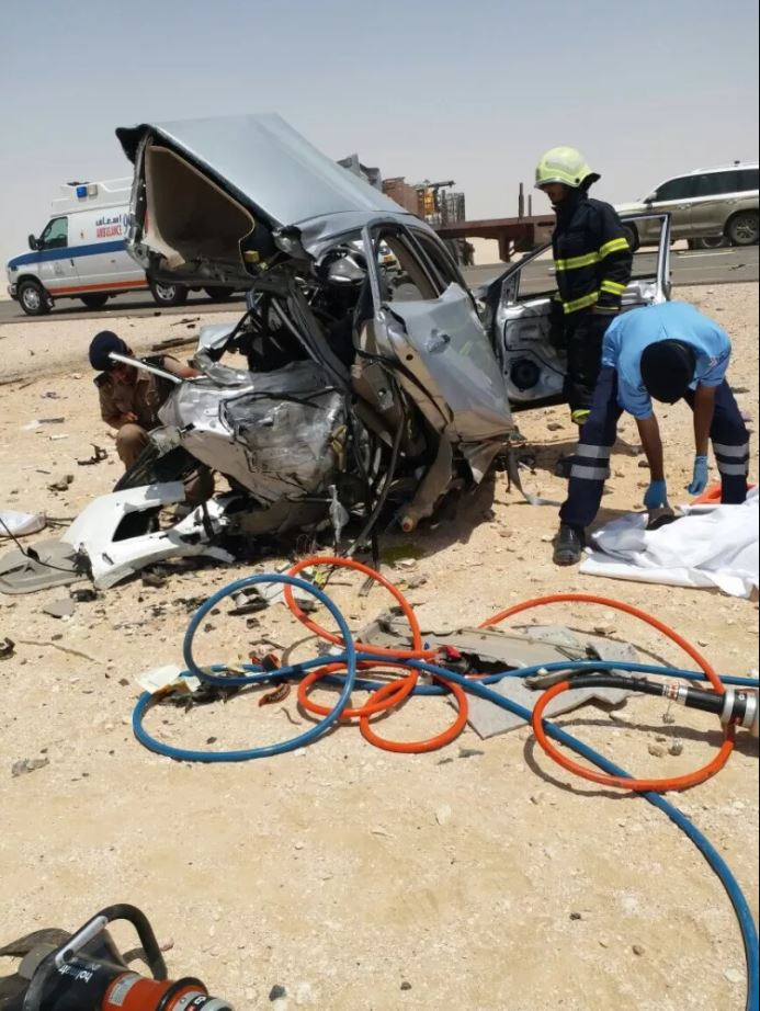 Four Asians killed, two Omanis critically injured in horrific crash