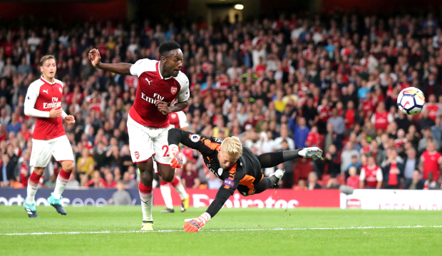 Premier League: Arsenal win in season-opening thriller