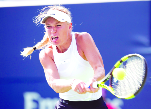 Wozniacki sinks Stephens to enter final