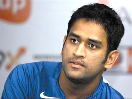 Dhoni no automatic choice says India selector