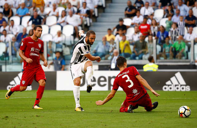 Juventus open title defence with fine win over Cagliari