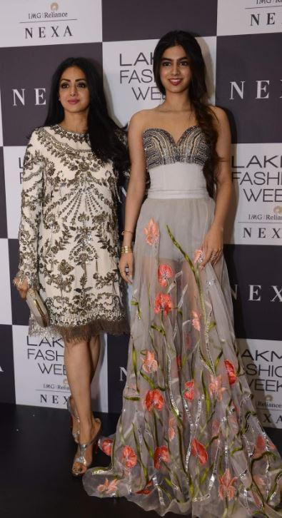 Celebs: PHOTOS: Stars add Bollywood sparkle to Manish Malhotra's show at Lakme Fashion Week