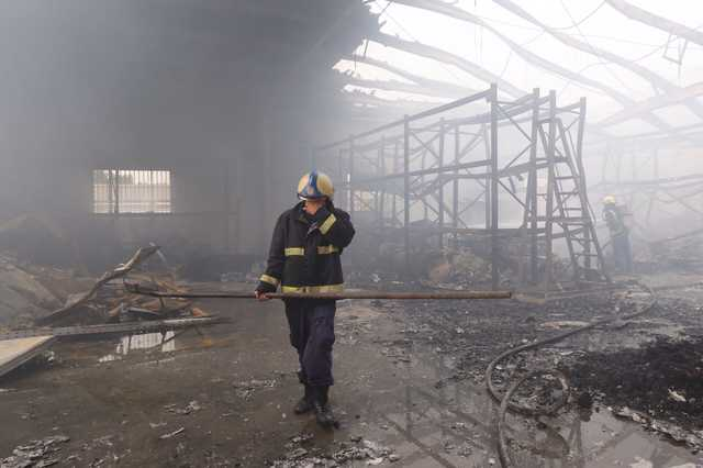 In Pictures: 150 evacuated from warehouse blaze in Salmabad