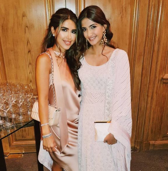 Celebs: Ranveer Singh, Anil Kapoor, Hrithik Roshan added spark to extravagant wedding