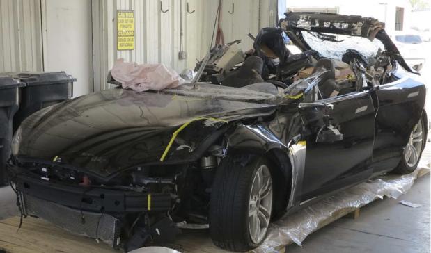 Investigators to determine likely cause of fatal Tesla crash