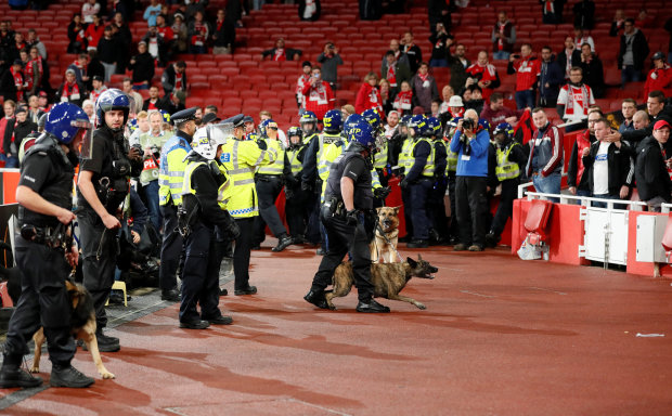 Arsenal probe fan chaos during Europa clash