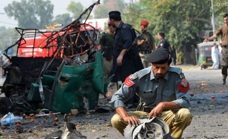 Bomb kills six in northwest Pakistan