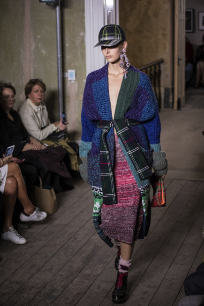 Burberry sees in technicolor for London Fashion Week