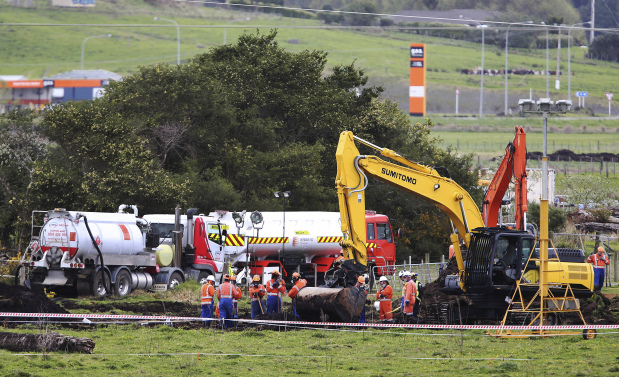 Burst fuel pipe to disrupt New Zealand flights through week