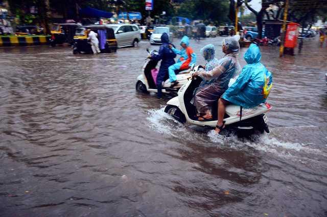World News: PHOTO: Heavy rains batter Mumbai