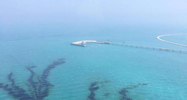 Kuwait sues liner over oil spill