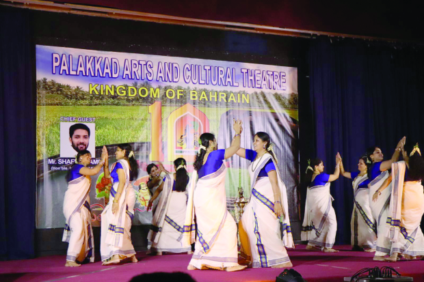 Onam feast hosted by Palakkad Arts and Cultural Theatre