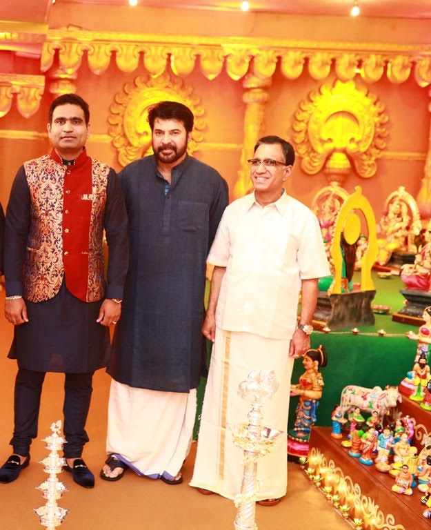 Celebs: Star-studded Navratri celebrations at Kalyanaramans