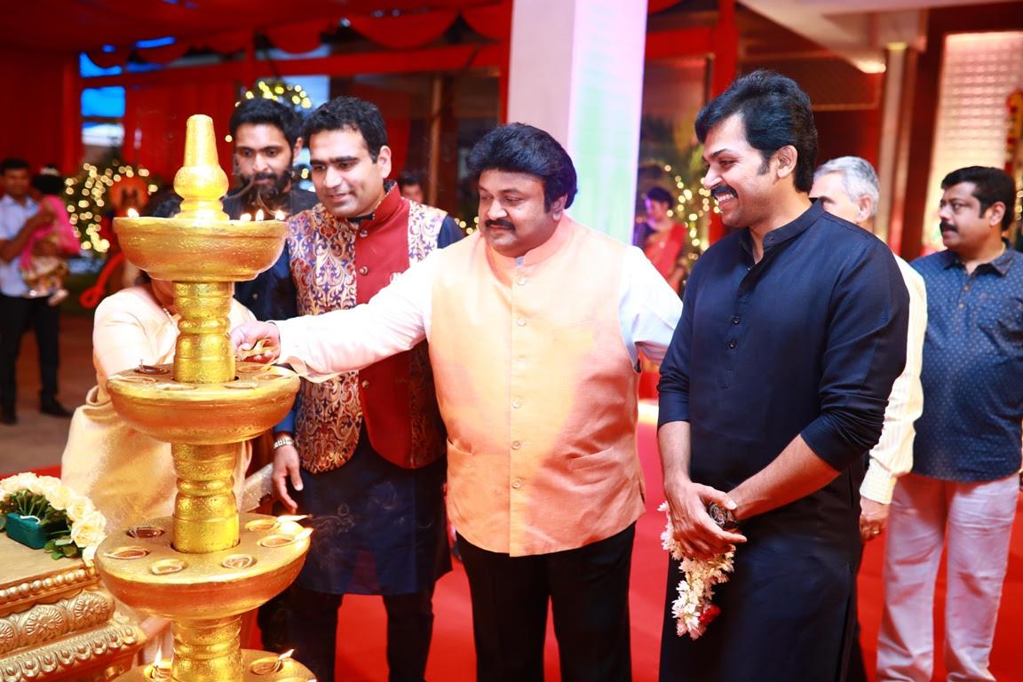 Celebs: Star-studded Navratri celebrations at Kalyanaramans
