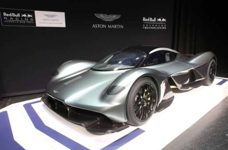 f1 the name 39 s red bull aston martin red bull from 2018. Black Bedroom Furniture Sets. Home Design Ideas