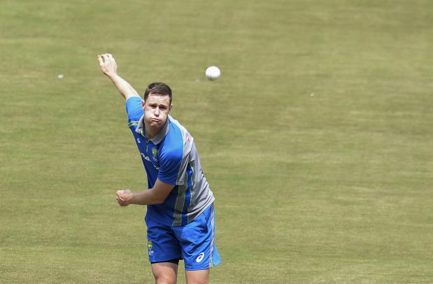 Bruised India look to floor Australia