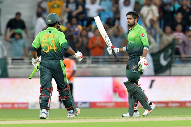 Pakistan seal dominant win